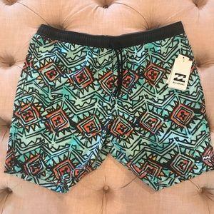 🆕 Men's Billabong Swim Suit Size - XL
